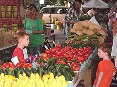 [photo, Baltimore Farmers' Market, Holliday St. and Saratoga St., Baltimore, Maryland]