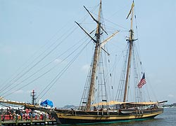 [photo, Pride of Baltimore II, Baltimore, Maryland]