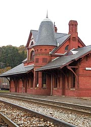 [photo, Railroad Station, 117 East Liberty St., Oakland, Maryland]