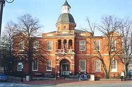 [photo, Anne Arundel County Courthouse, Church Circle, Annapolis, Maryland]