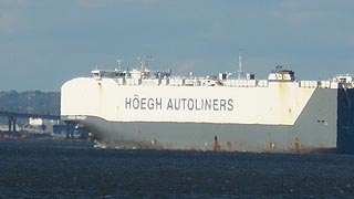 [photo, Hoegh Autoliners, Patapsco River, Baltimore, Maryland]