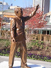 [photo, William Donald Schaefer statue (2009), by Rodney Carroll, Inner Harbor, Baltimore, Maryland