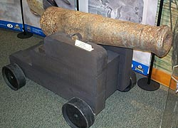 [photo, Deck cannon made by Principio Iron Furnace (Cecil County), Havre de Grace Decoy Museum, 215 Giles St., Havre de Grace, Maryland]