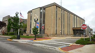 [photo, Cecil County Circuit Court Courthouse, 129 East Main St., Elkton, Maryland]