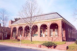 [photo, Dorchester County Public Library, 303 Gay St., Cambridge, Maryland]