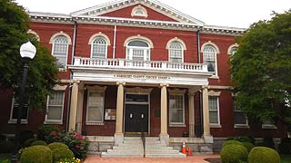 [photo, Somerset County Circuit Court, 30512 Prince William St., Princess Anne, Maryland]