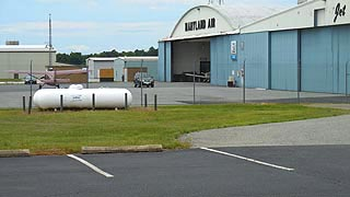 [photo, Easton Airport, 29137 Newnam Road, Easton, Maryland]