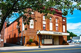 [photo, Town Hall, 118 North Main St., Federalsburg, Maryland]