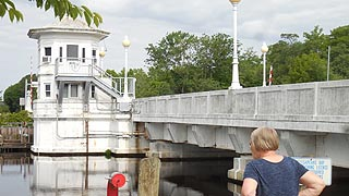 [photo, Pocomoke City Bridge over Pocomoke River, Pocomoke City (Worcester County), Maryland]