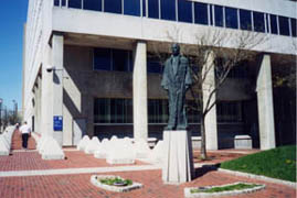 [photo, Thurgood Marshall statue, by Reuben Kramer, Garmatz Federal Courthouse, West Pratt St., Baltimore, Maryland]